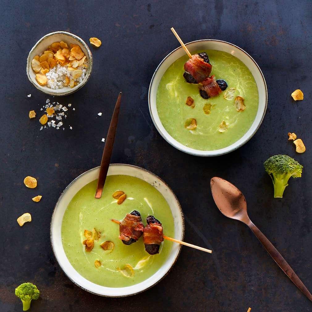 Abbildung des Rezepts Kartoffel-Brokkoli-Suppe mit Speckpflaumen