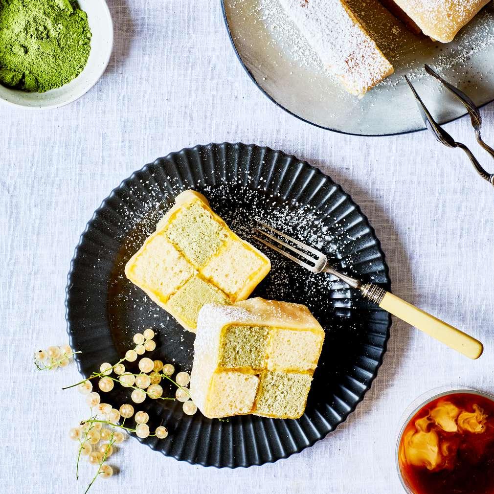 Abbildung des Rezepts Battenbergkuchen mit Matcha-Tee