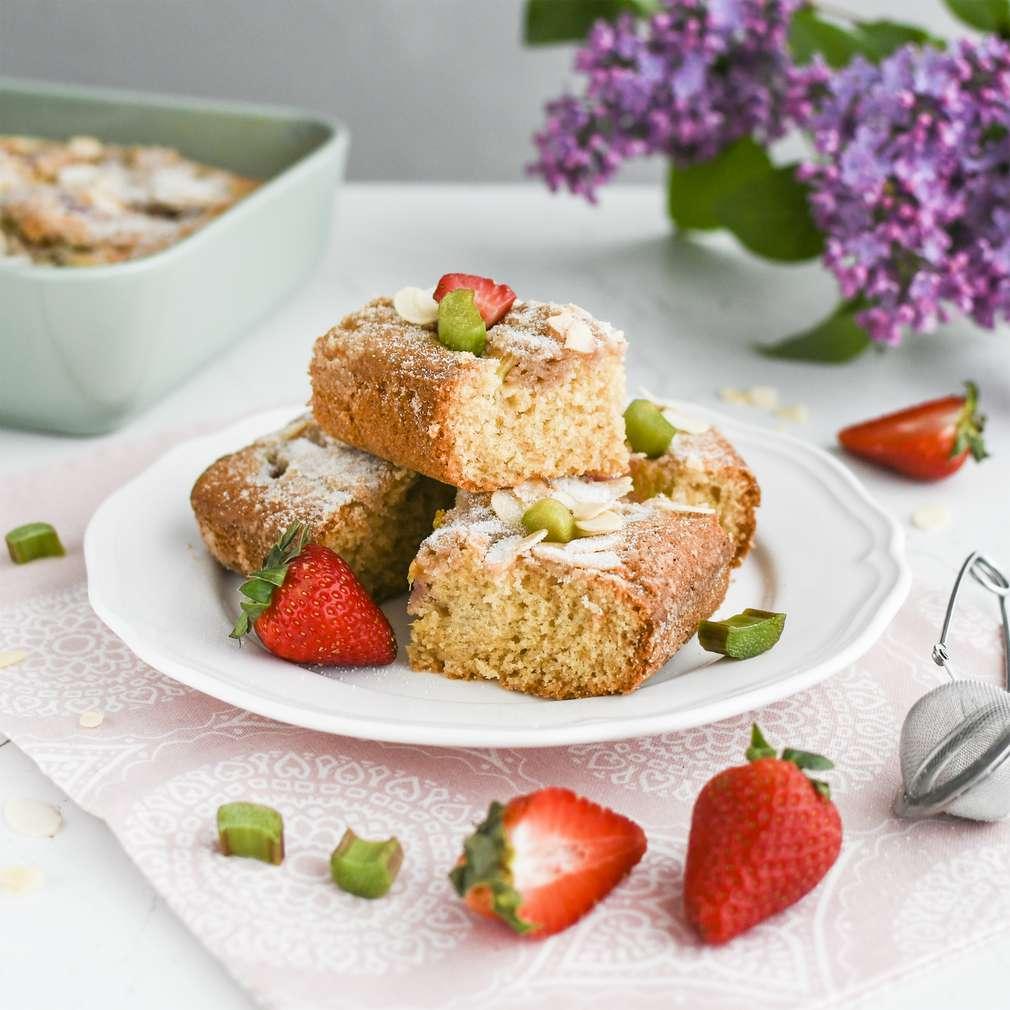 Zobrazenie receptu Trený rebarborový koláč