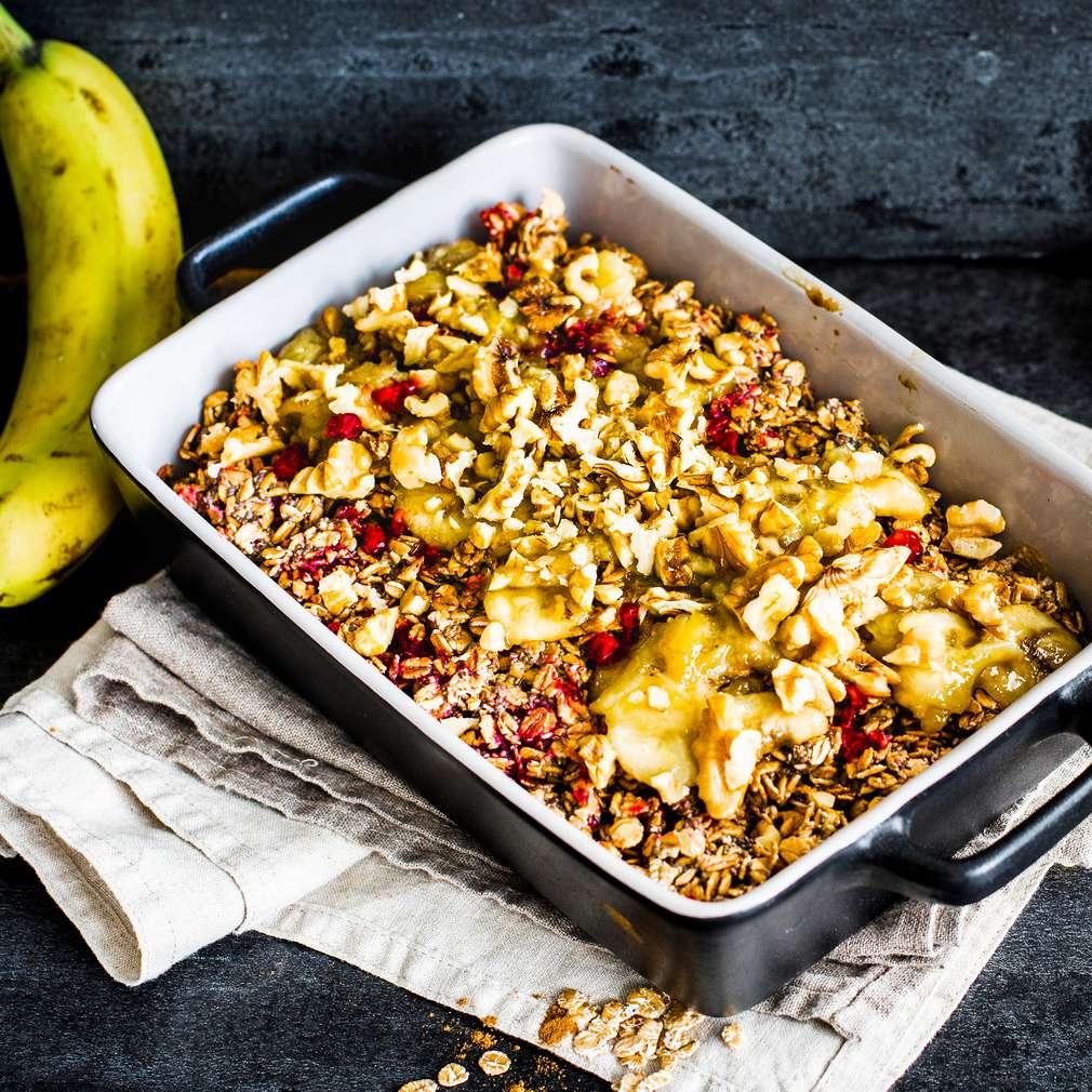 Abbildung des Rezepts Himbeer Baked Oatmeal mit karamellisierter Banane