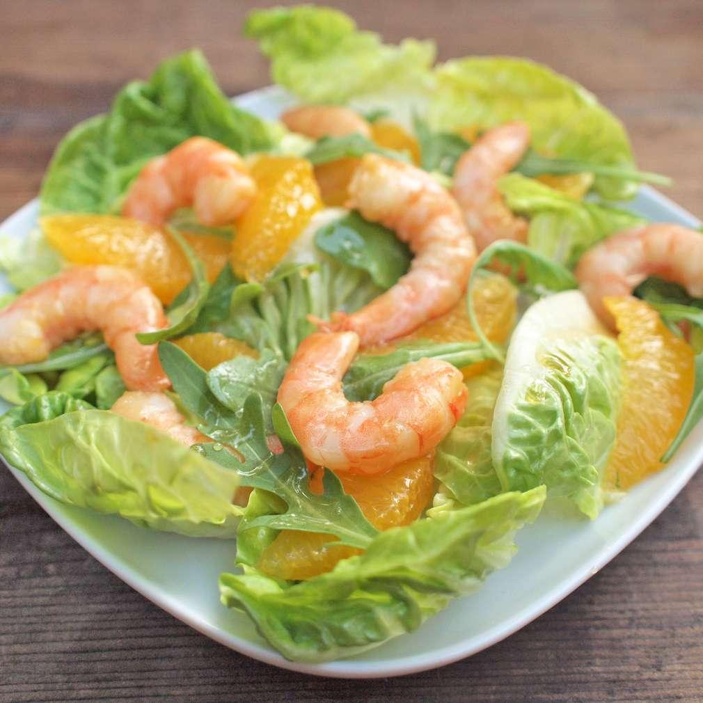 Zobrazit Krevetový salát s pomerančem a medovou zálivkou receptů