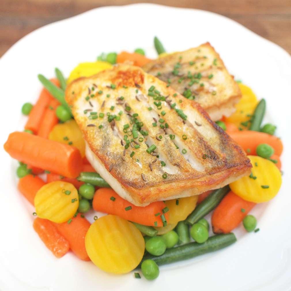 Zobrazit Candát na kmíně s máslovou zeleninou receptů