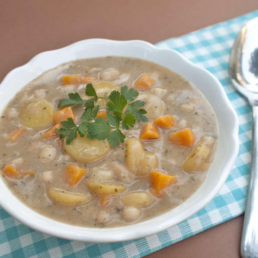 Zobrazit Fazolová polévka receptů