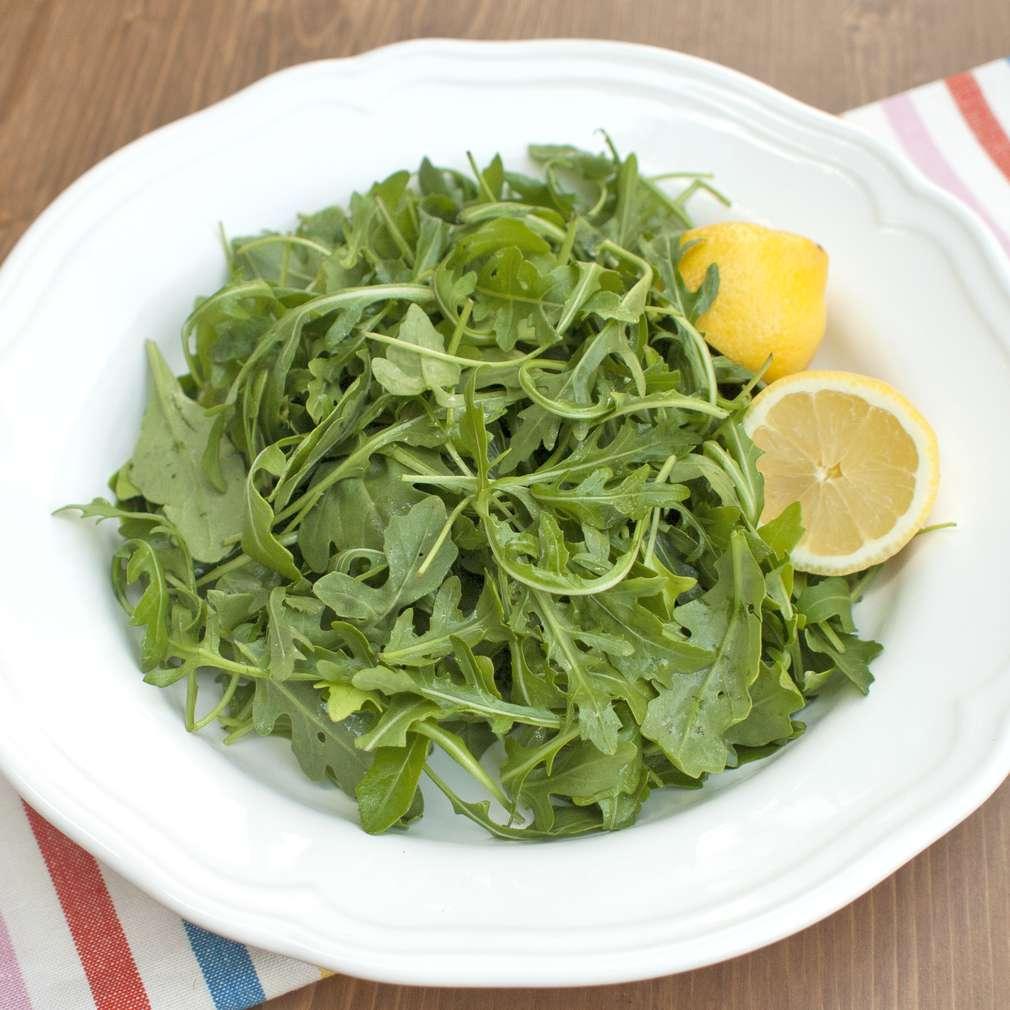 Zobrazit Rukolový salát s citronovou zálivkou receptů