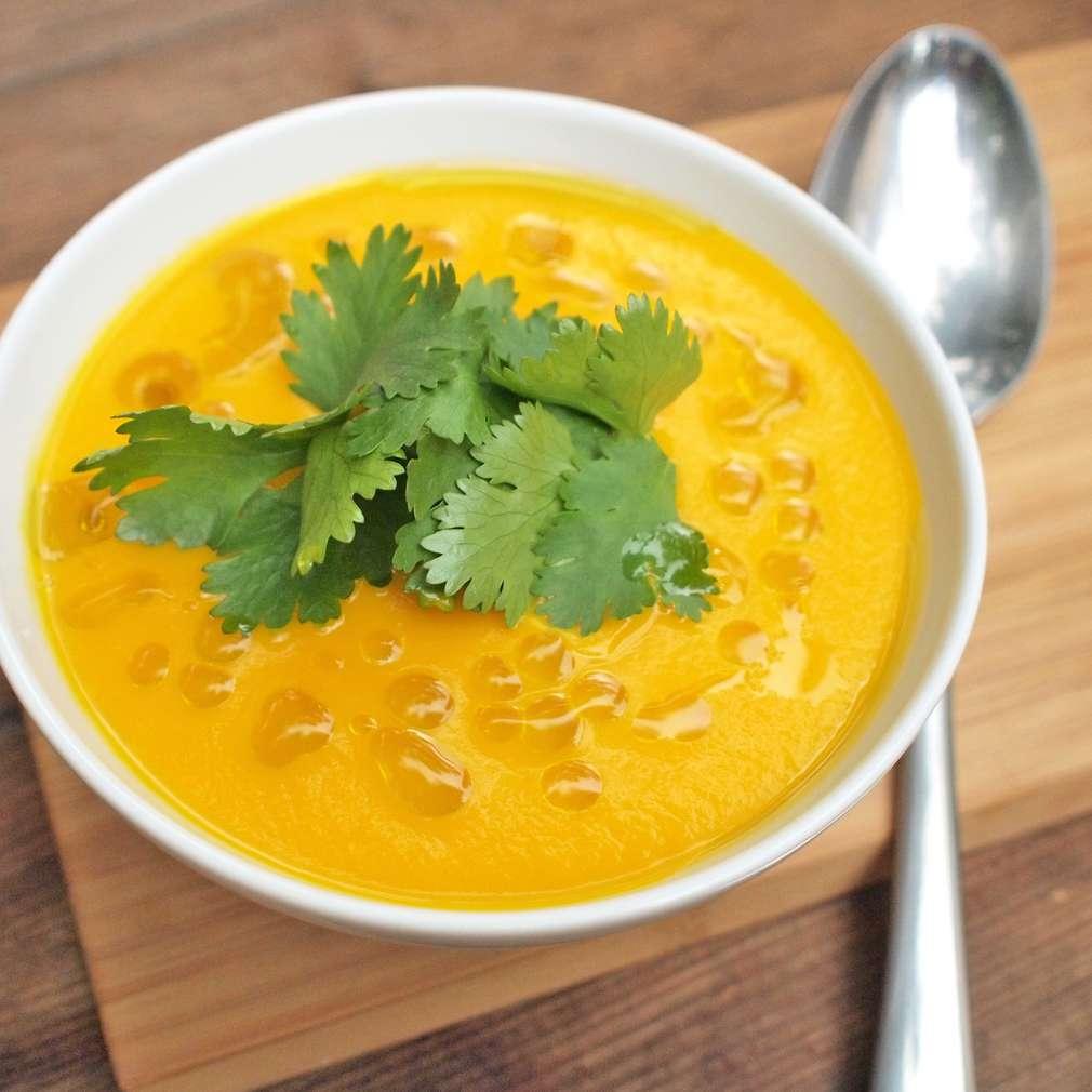 Zobrazit Mrkvová polévka s koriandrem receptů