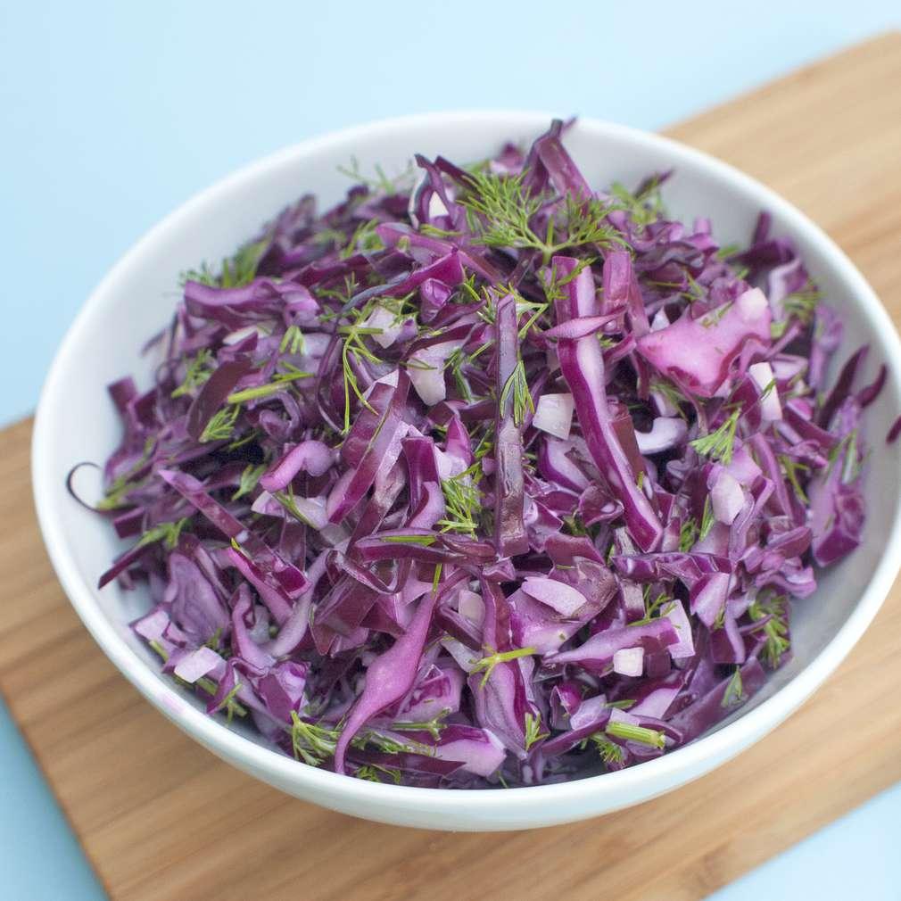 Zobrazit Salát z červeného zelí a kopru receptů