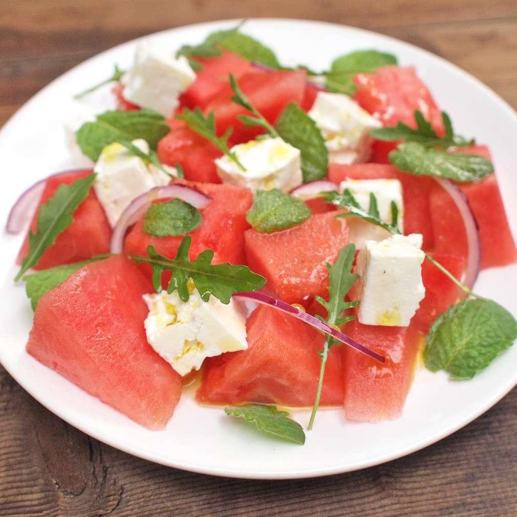Zobrazit Melounový salát se sýrem feta receptů