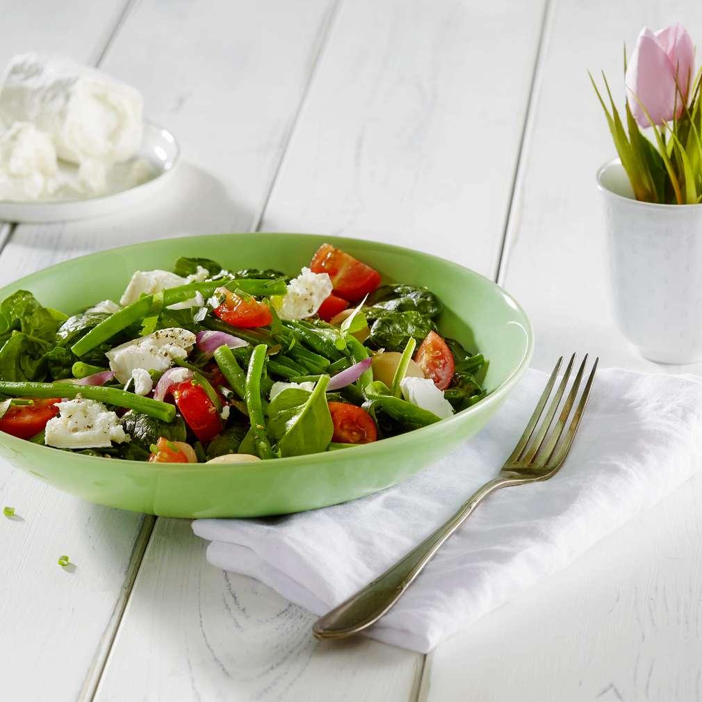 Abbildung des Rezepts Kräuter-Spinatsalat mit grünen Bohnen und Kresse