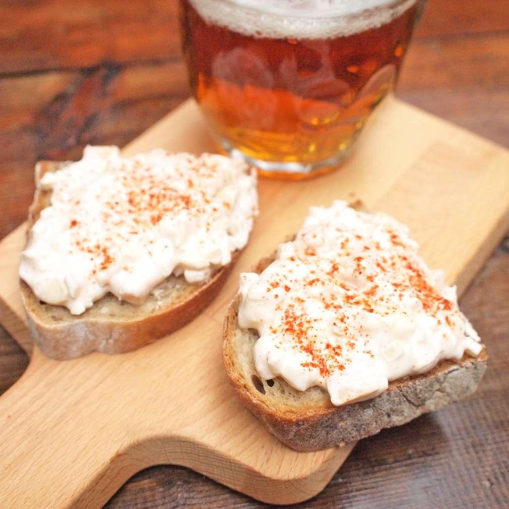 Zobrazit Pikantní pivní pomazánka receptů