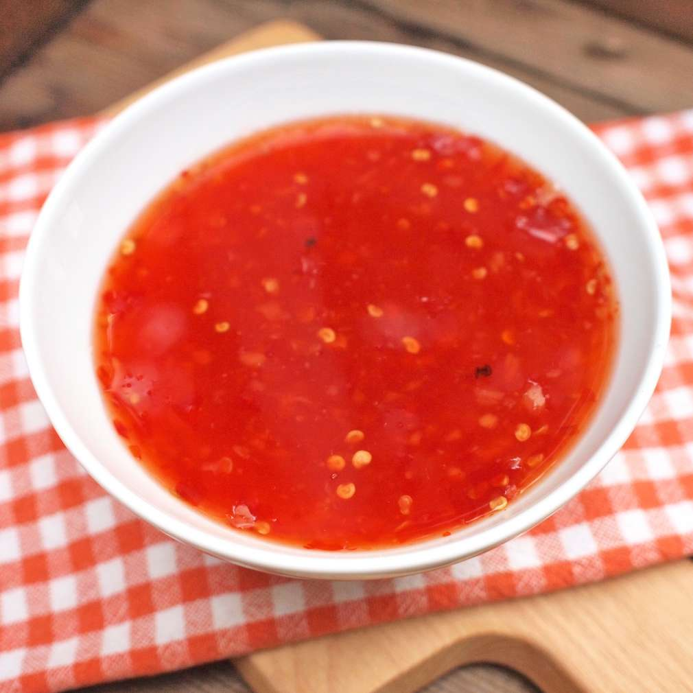 Zobrazit Domácí sladkokyselá chilli omáčka receptů