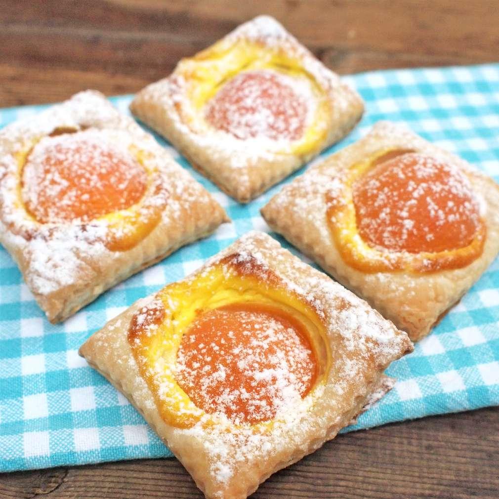Zobrazit Rychlé meruňkové čtverce s tvarohem receptů
