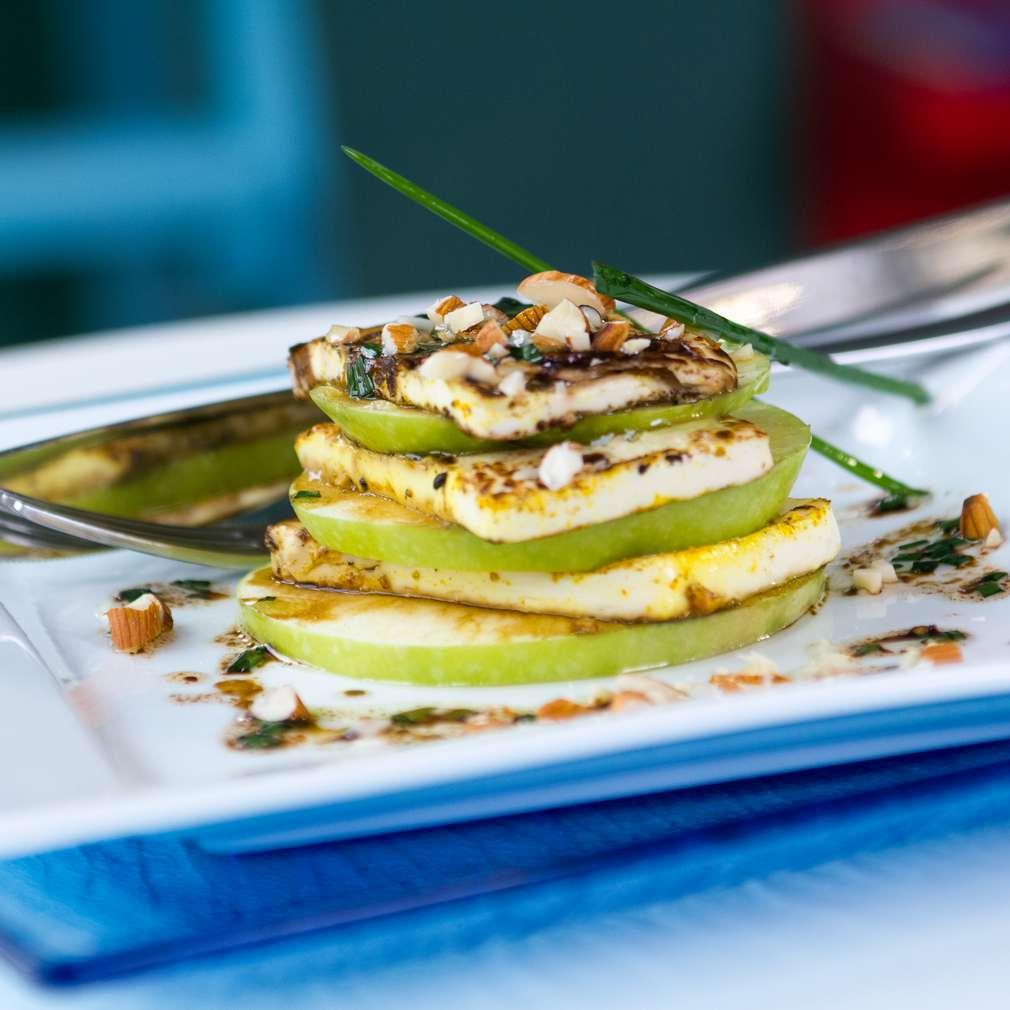 Изобразяване на рецептата Тофу с ябълки