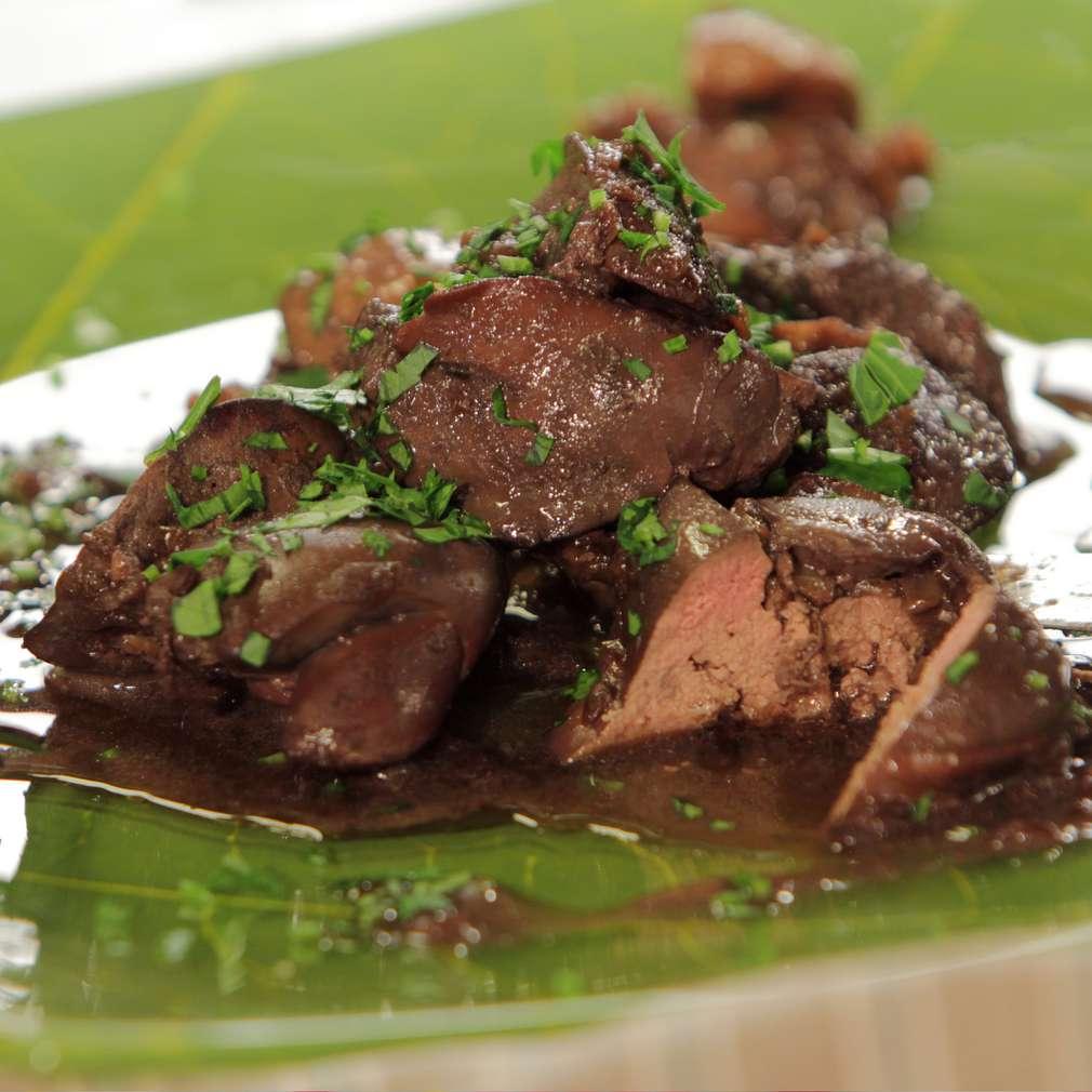 Изобразяване на рецептата Пилешки дробчета с вино и гъби