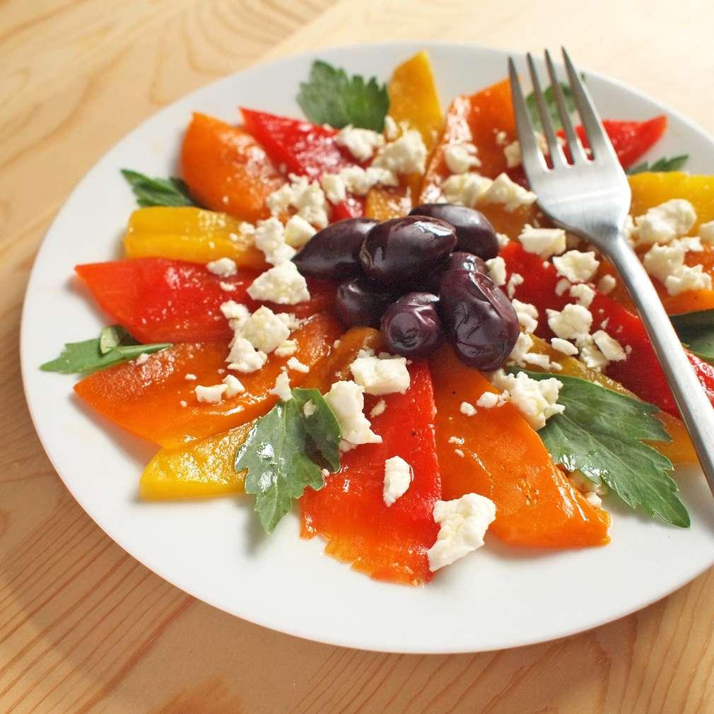 Zobrazit Salát z pečených paprik receptů