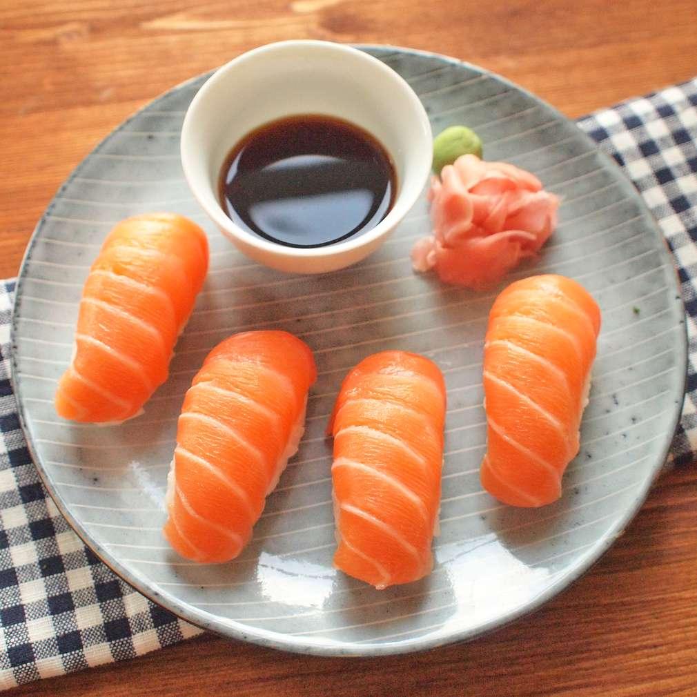 Zobrazit Nigiri s lososem receptů