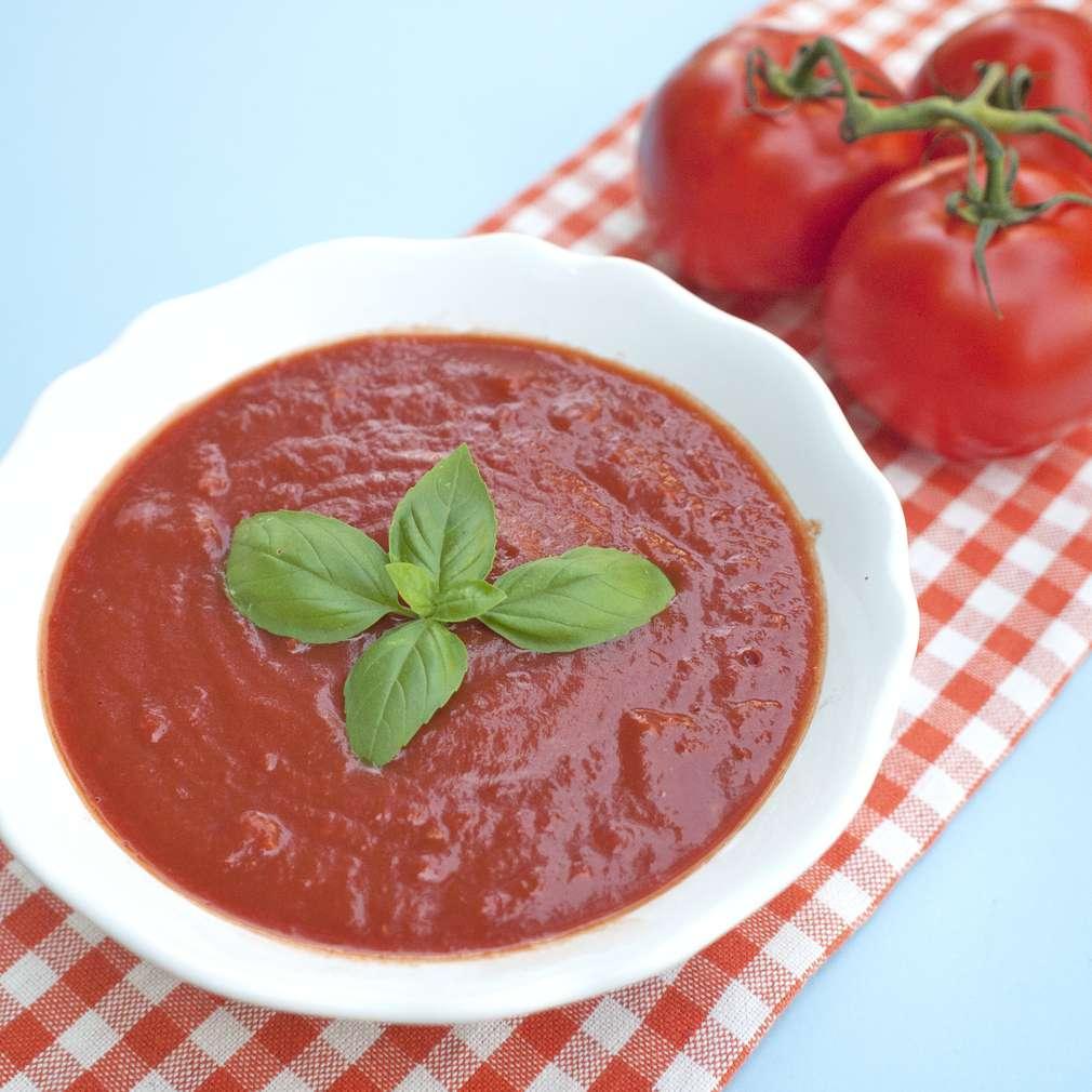 Zobrazit Italská rajčatová omáčka k těstovinám receptů