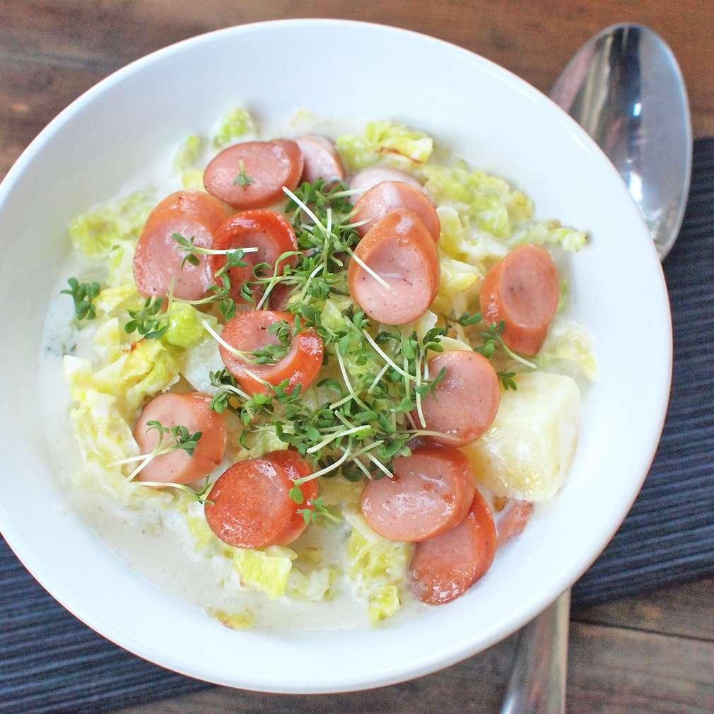 Zobrazit Kapustová polévka s párkem receptů