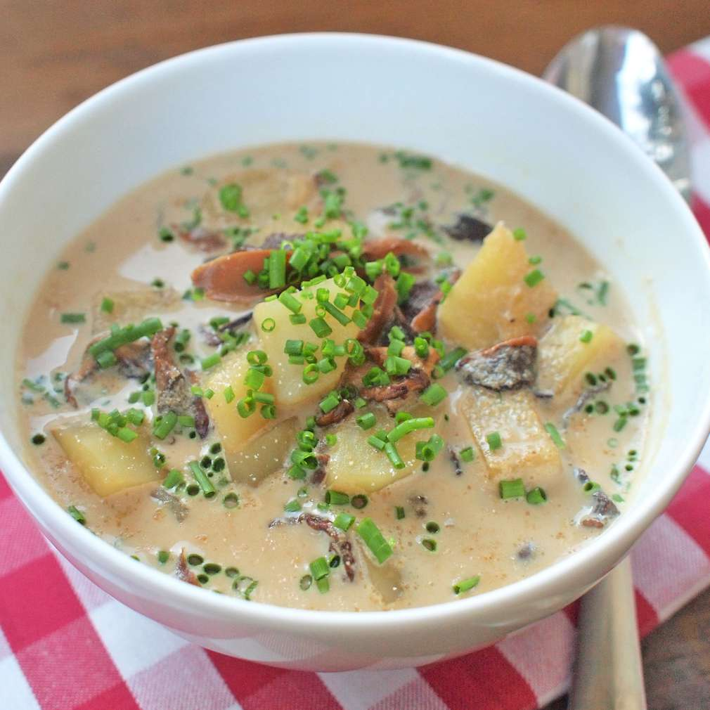Zobrazit Houbová polévka s krupicí receptů