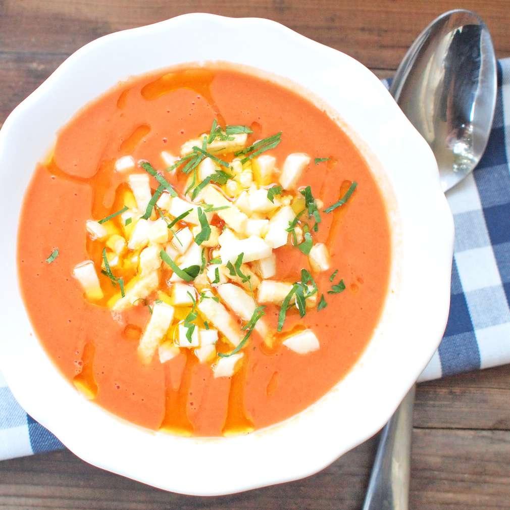 Zobrazit Španělská chlebová polévka s rajčaty receptů