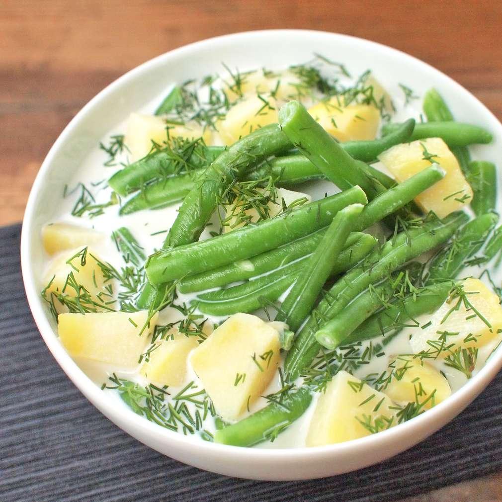 Zobrazit Fazolková polévka s koprem receptů