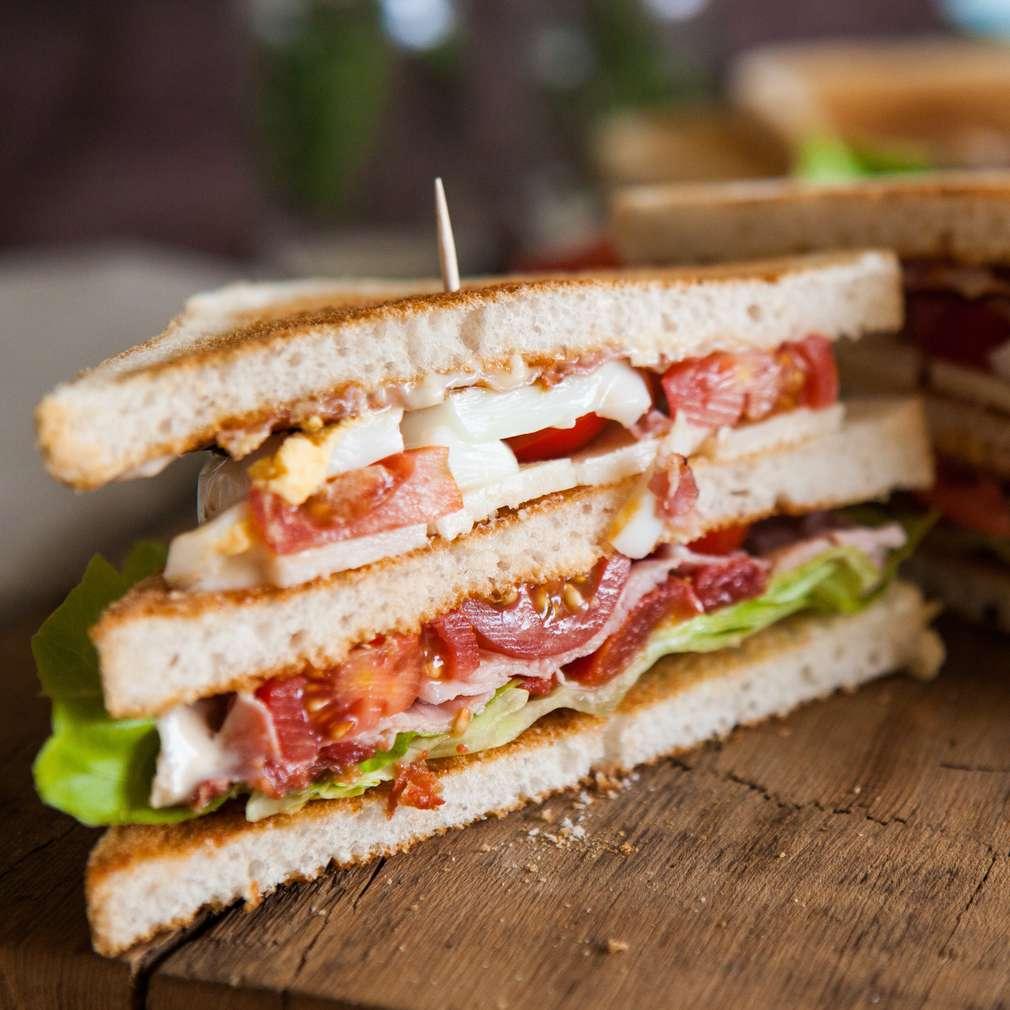 Fotografija recepta Bogati sendvič s paštetom