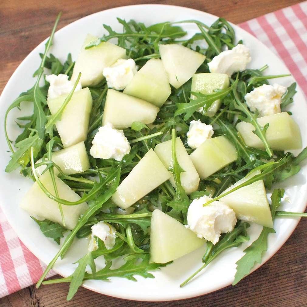 Zobrazit Salát ze žlutého melounu a ricotty receptů