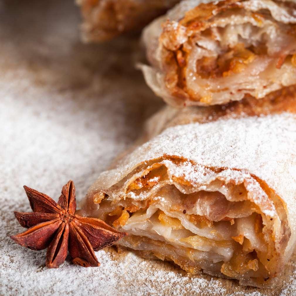 Fotografija recepta Mirisna savijača s jabukama
