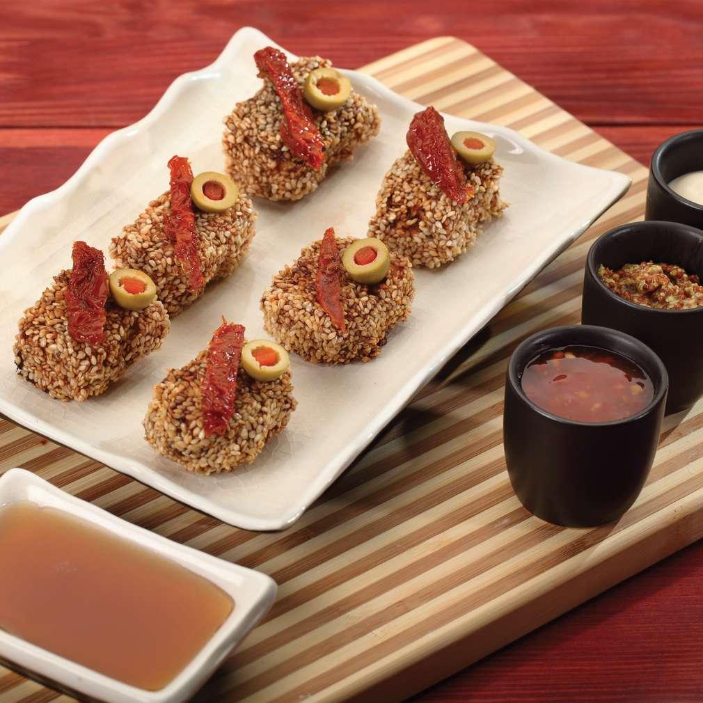 Zdjęcie przepisu Złociste koreczki z tofu w sezamie