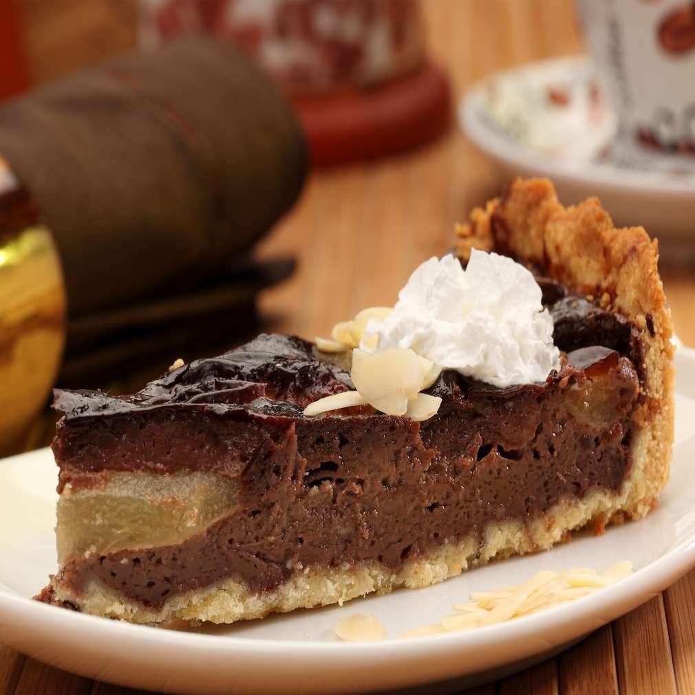 Zdjęcie przepisu Tarta z gruszkami w kremie czekoladowym