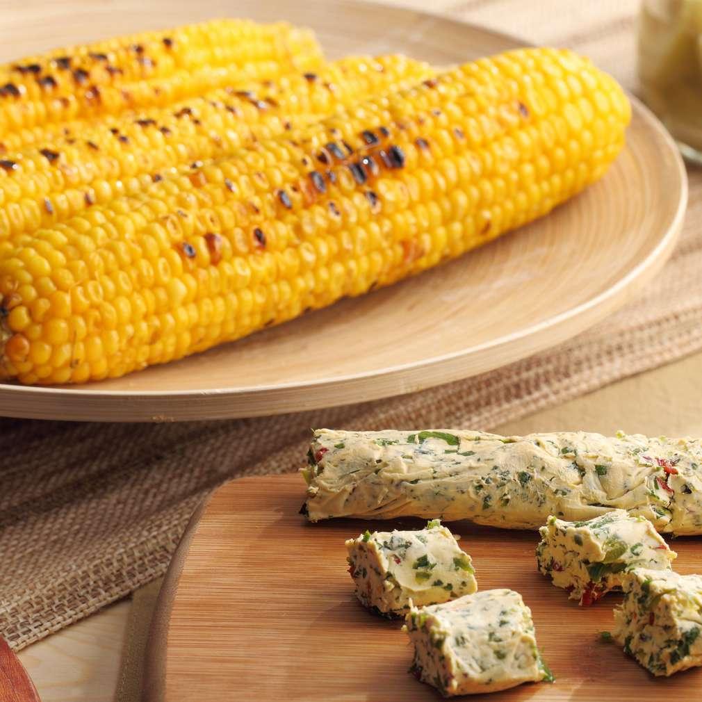 Zdjęcie przepisu Kukurydza z grilla z pikantnym masłem