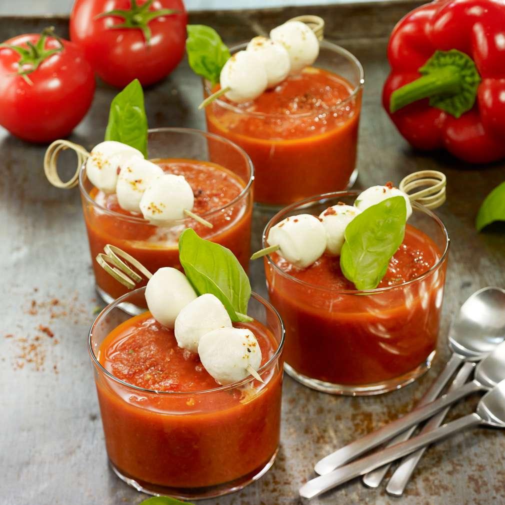 Zdjęcie przepisu Chłodnik z papryki i pomidorów