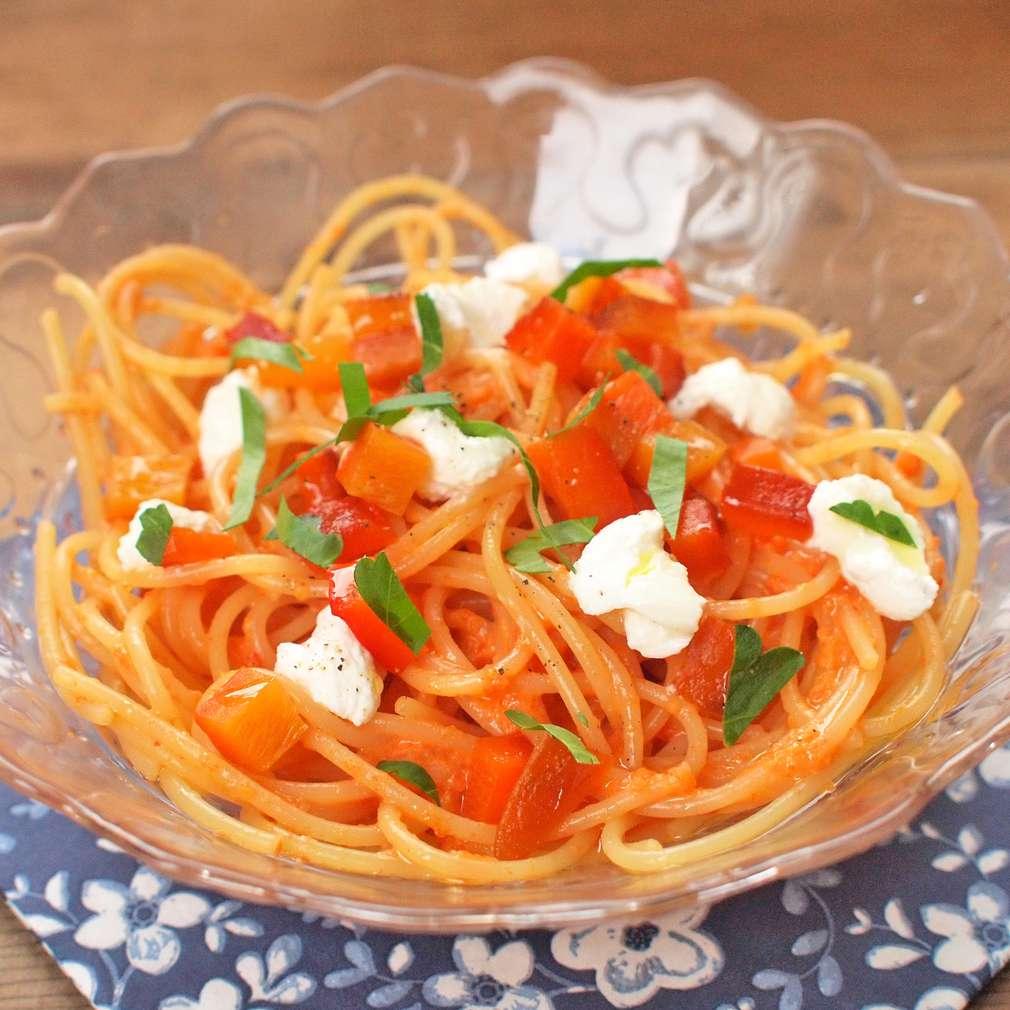 Zobrazit Těstoviny s paprikovým pestem s ricottou receptů