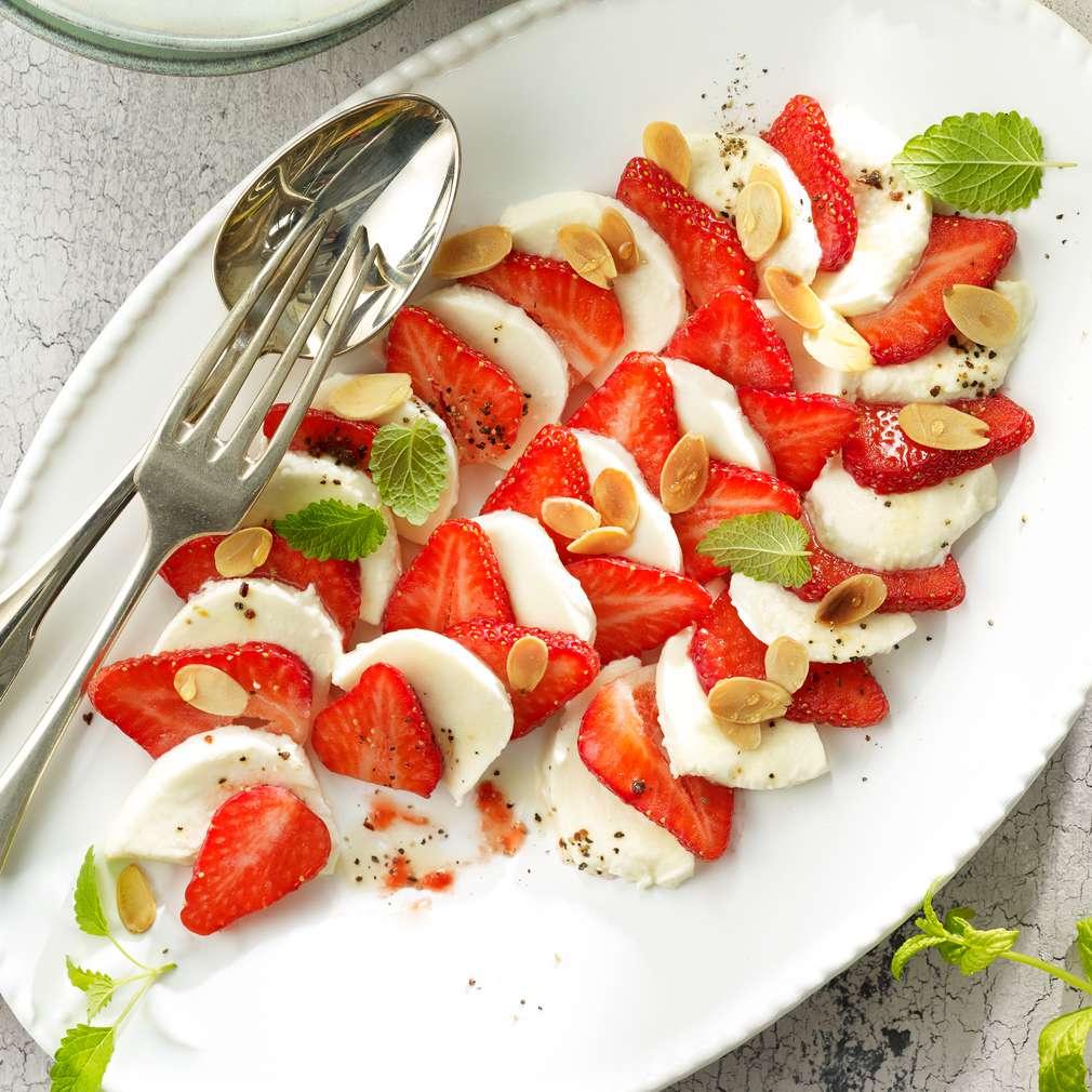 Abbildung des Rezepts Mozzarella mit Erdbeeren