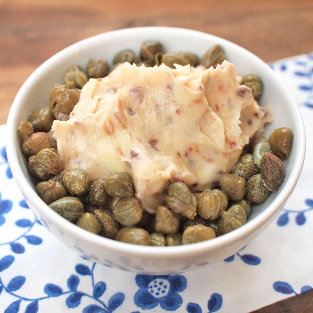Zobrazit Sardelové máslo receptů