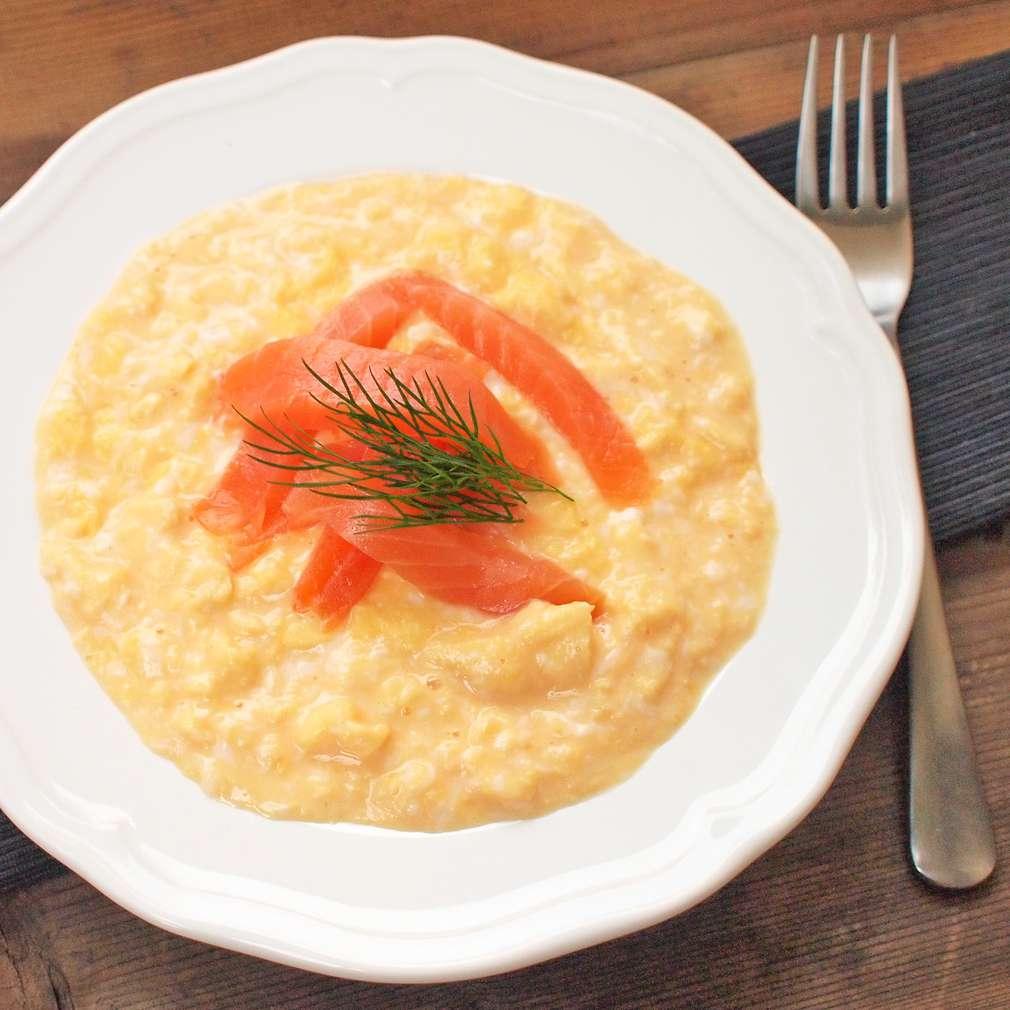 Zobrazit Míchaná vejce s uzeným lososem receptů