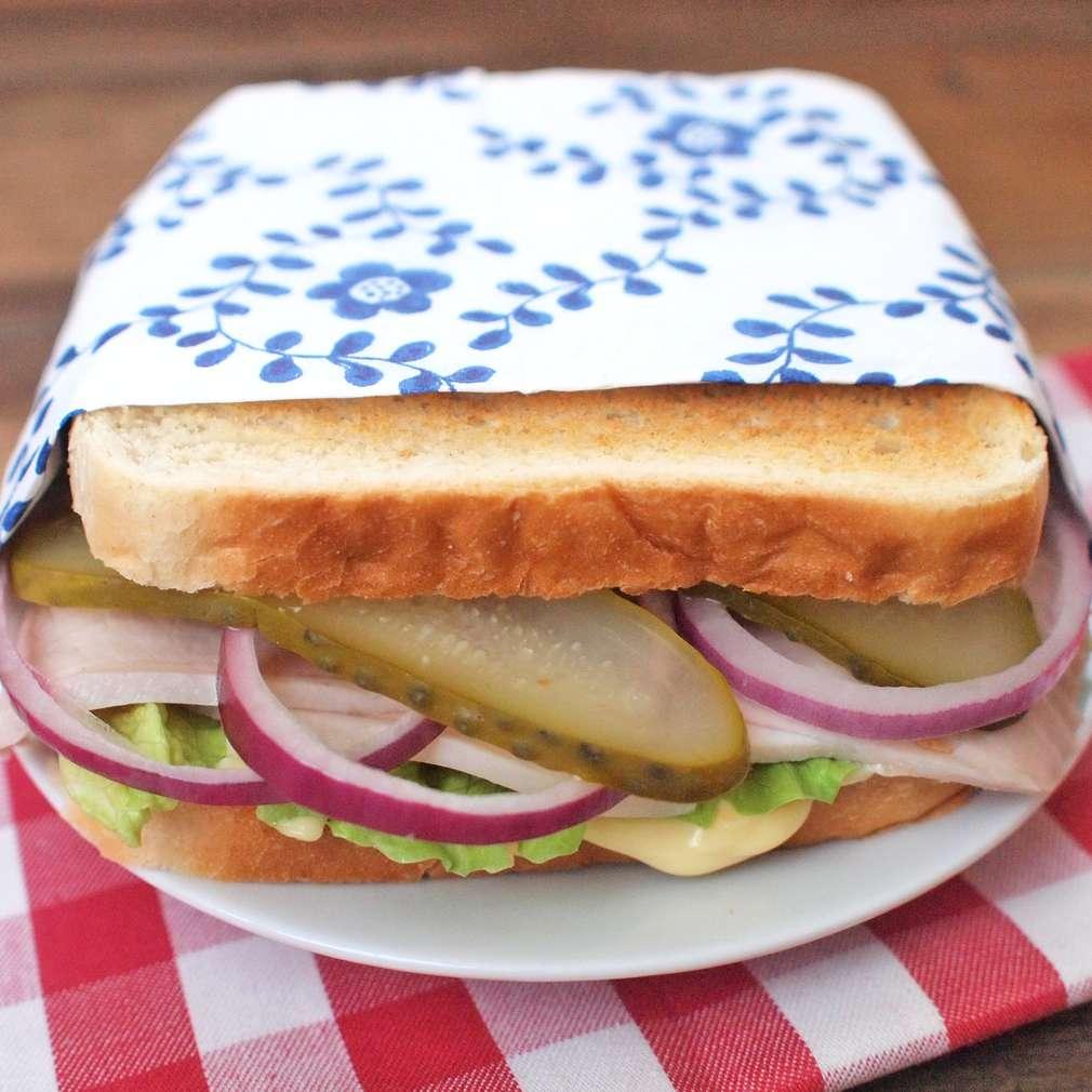 Zobrazit Obložený chléb s vepřovou pečení nastudeno receptů