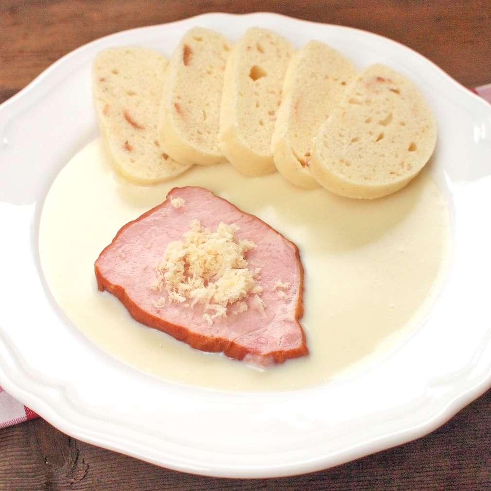Zobrazit Uzené maso s křenovou omáčkou receptů
