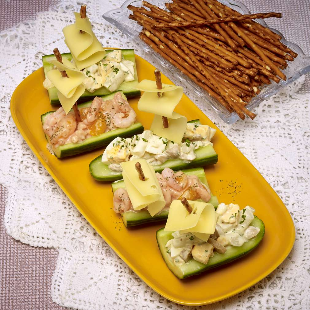 Abbildung des Rezepts Gurkenschiffchen mit zweierlei Salat