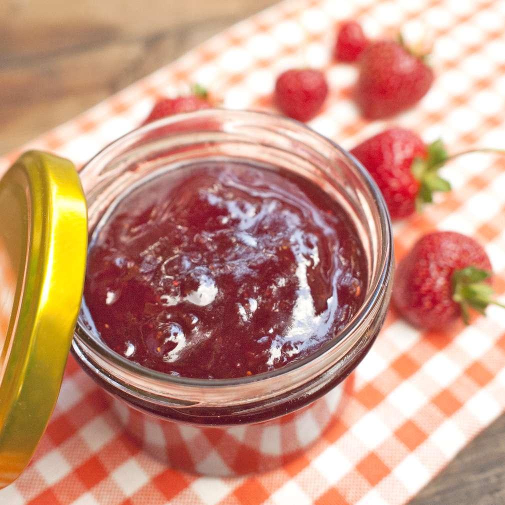 Zobrazit Jahodová marmeláda receptů