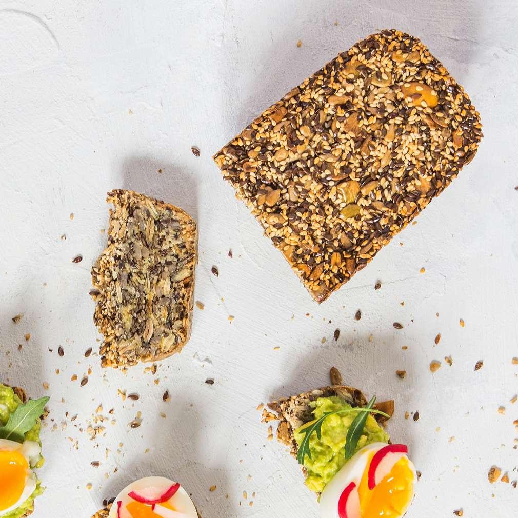 Zdjęcie przepisu Bezglutenowy chleb z ziaren i twarogu