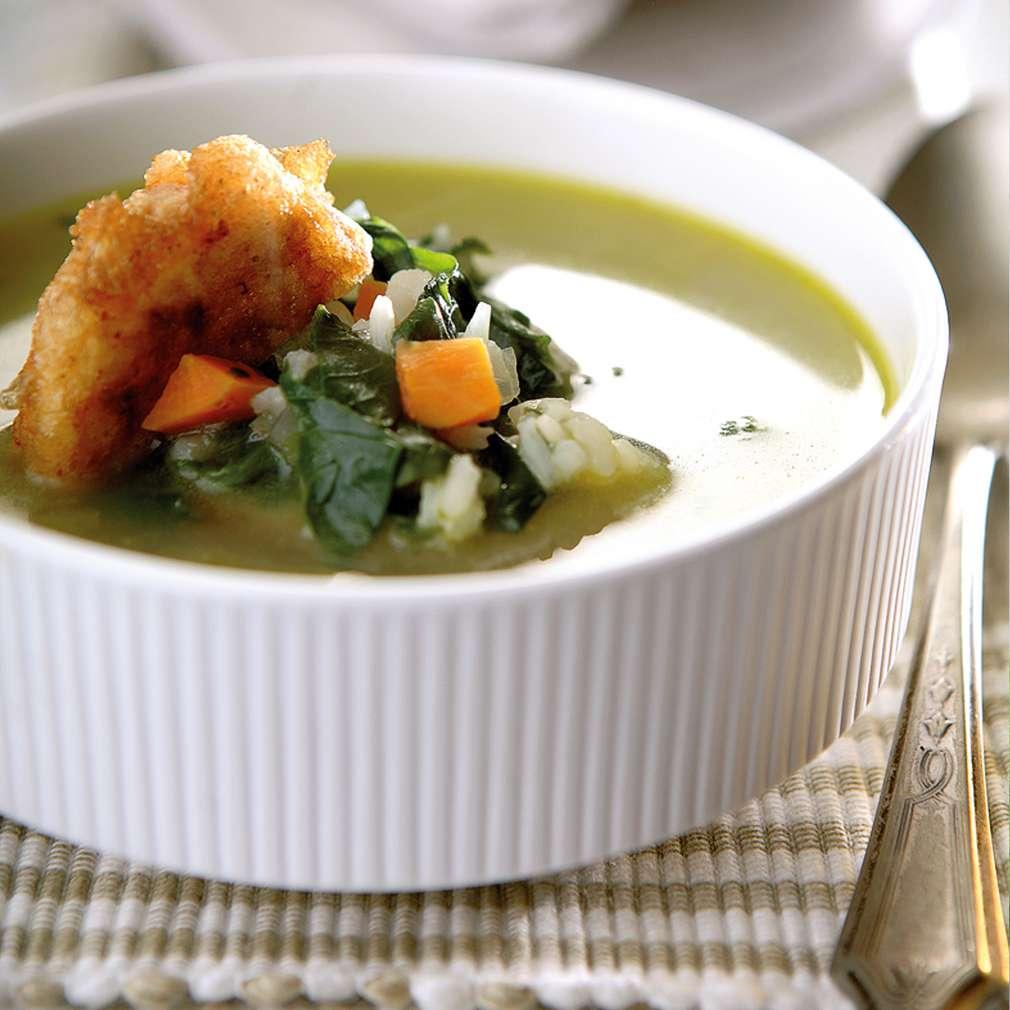 Изобразяване на рецептата Спаначена супа със сметана и хапки от пушено сирене