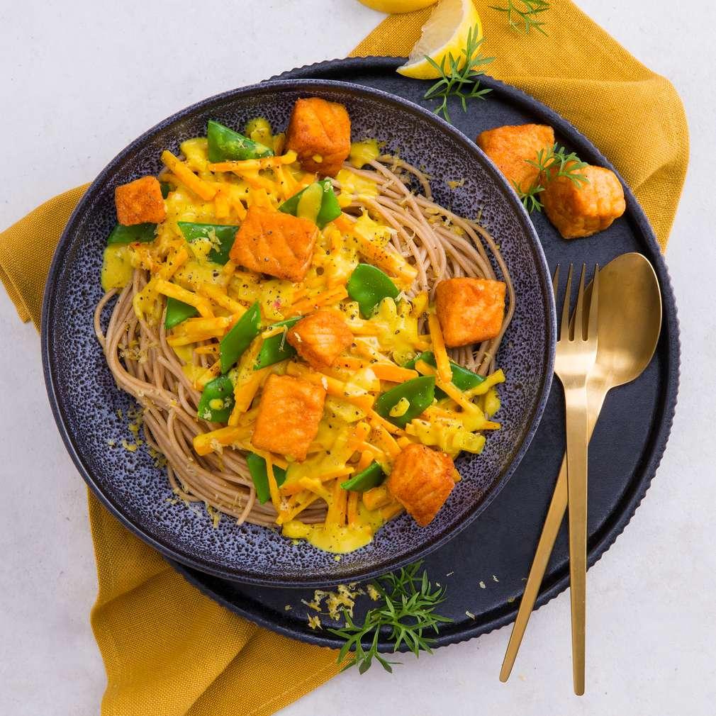 Abbildung des Rezepts Zitronen-Spaghetti mit Lachs in Ingwer-Curry-Sauce