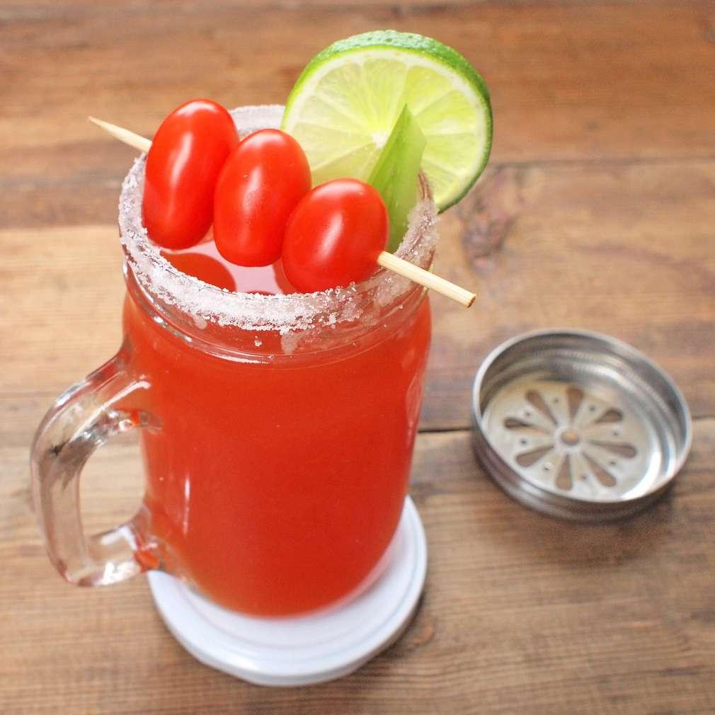 Zobrazit Ruddy Mary koktejl receptů