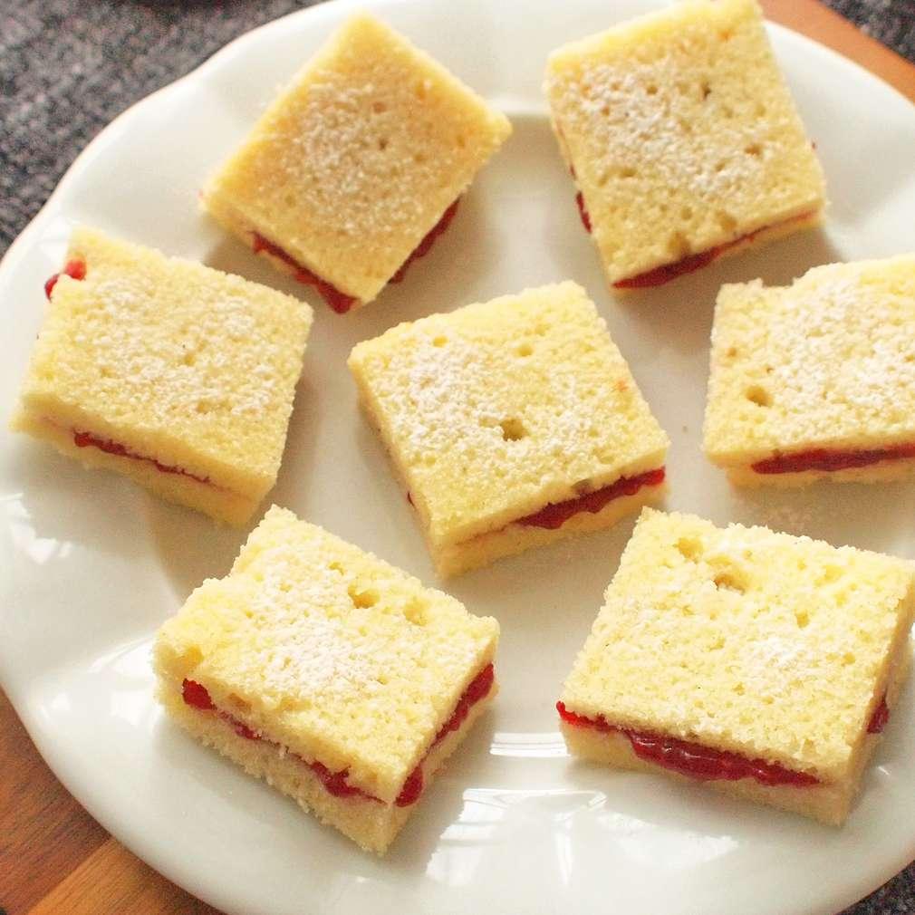 Zobrazit Třené řezy s marmeládou receptů