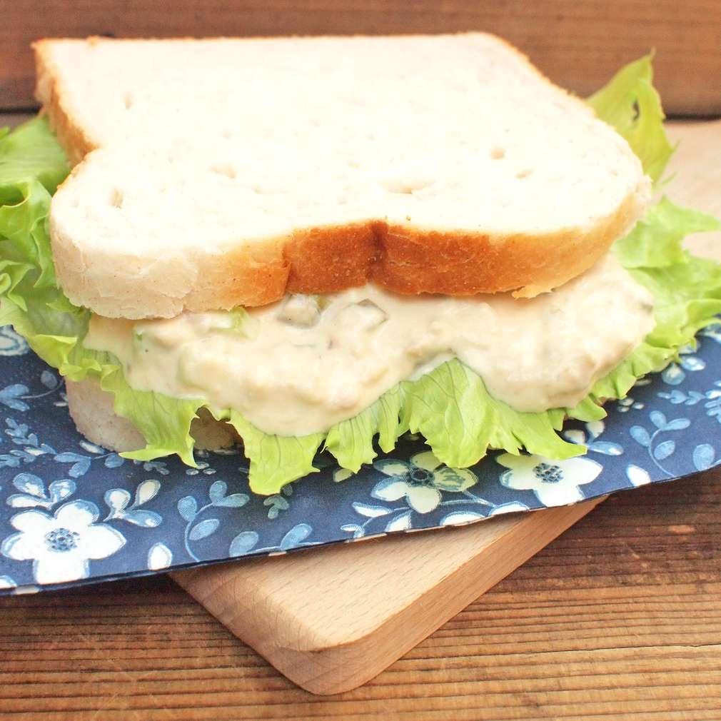 Zobrazit Tuňákový sendvič s majonézou receptů