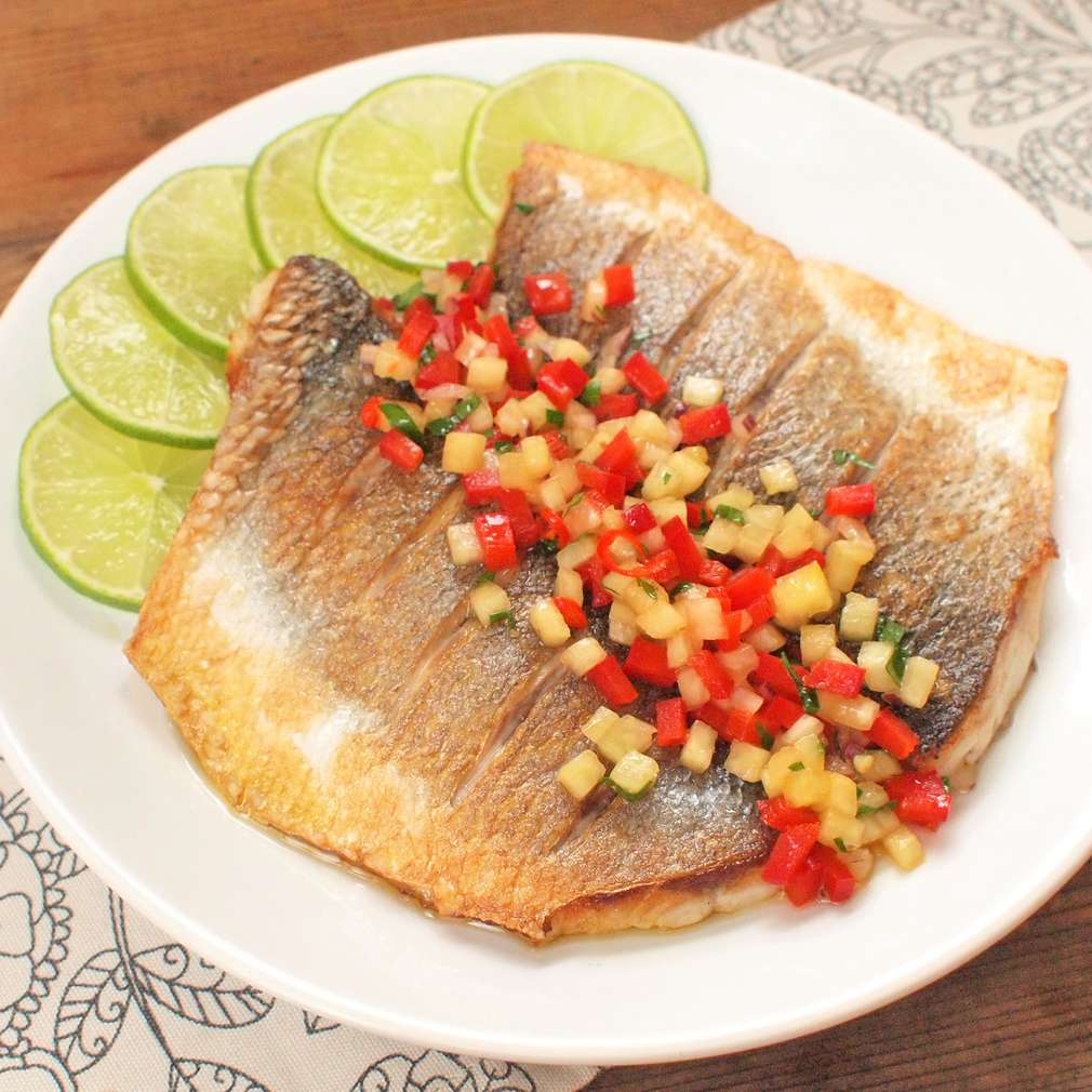 Zobrazit Mořský vlk s paprikovou salsou receptů