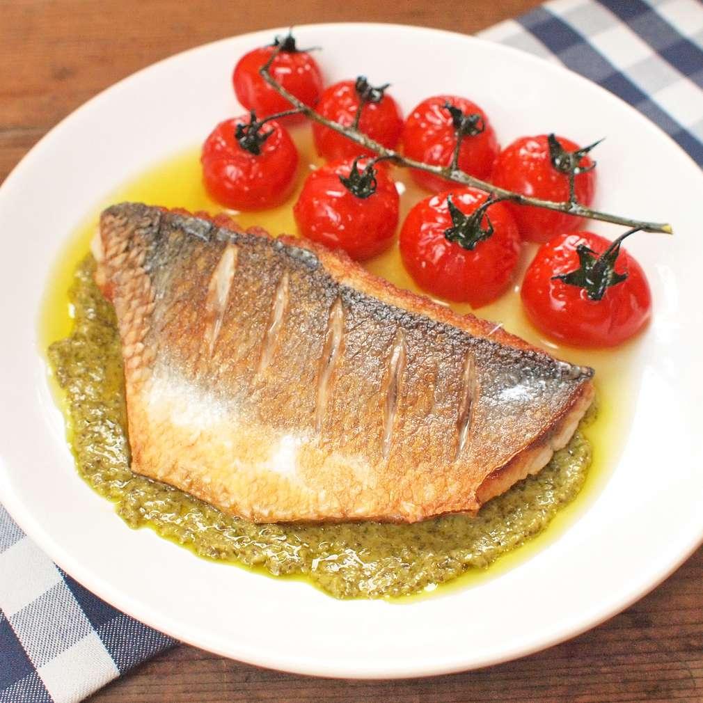 Zobrazit Filé z mořského vlka s pečenými rajčaty receptů