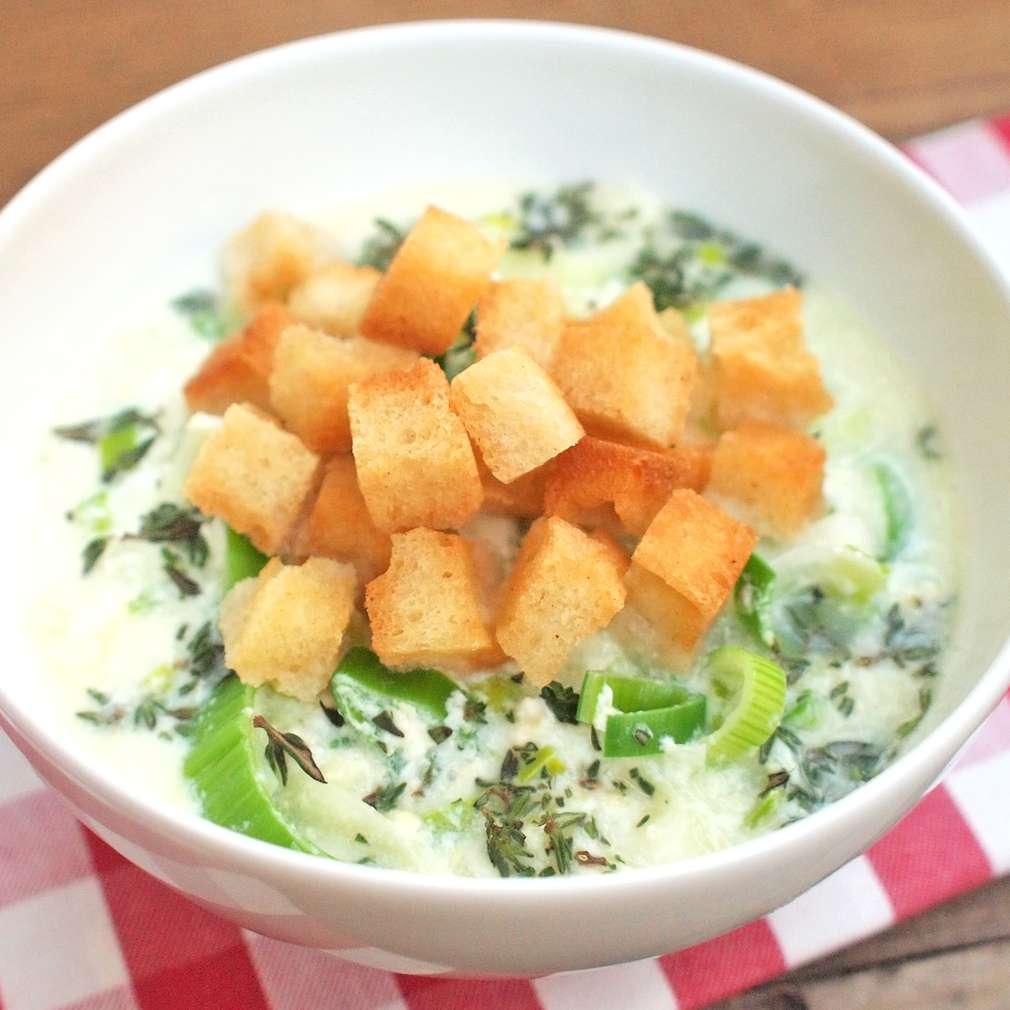 Zobrazit Pórková polévka s vejcem receptů