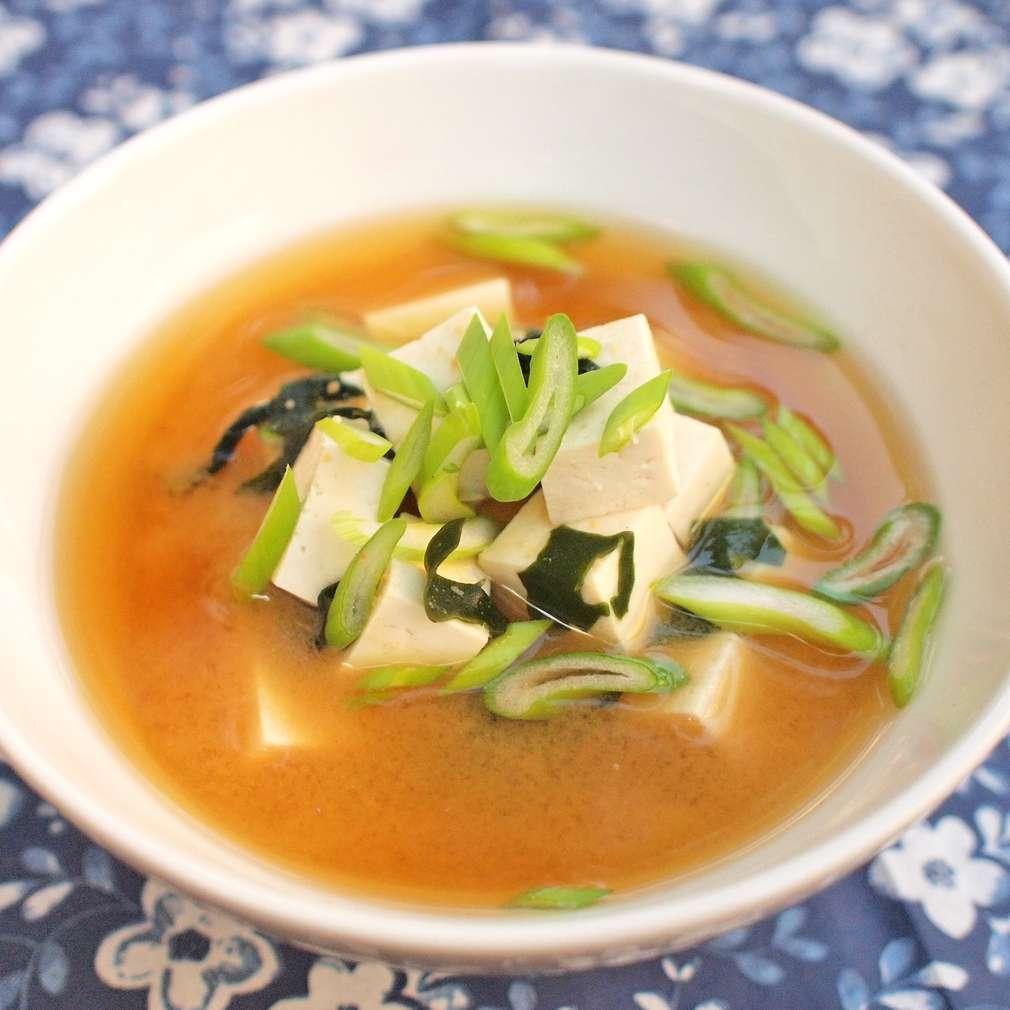 Zobrazit Miso polévka s tofu receptů