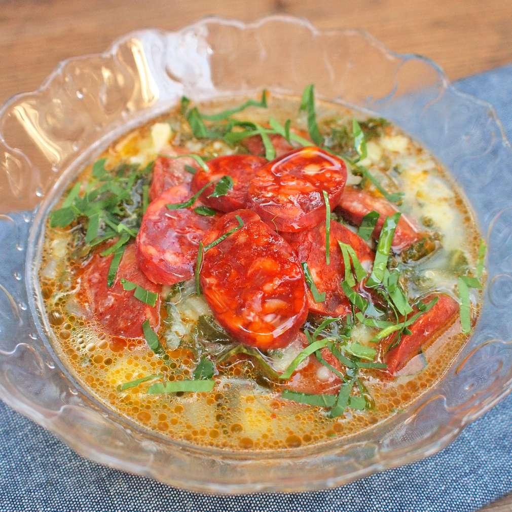 Zobrazit Portugalská polévka caldo verde receptů